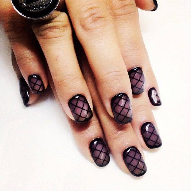 Awesome diamond geometric purple fade nails!