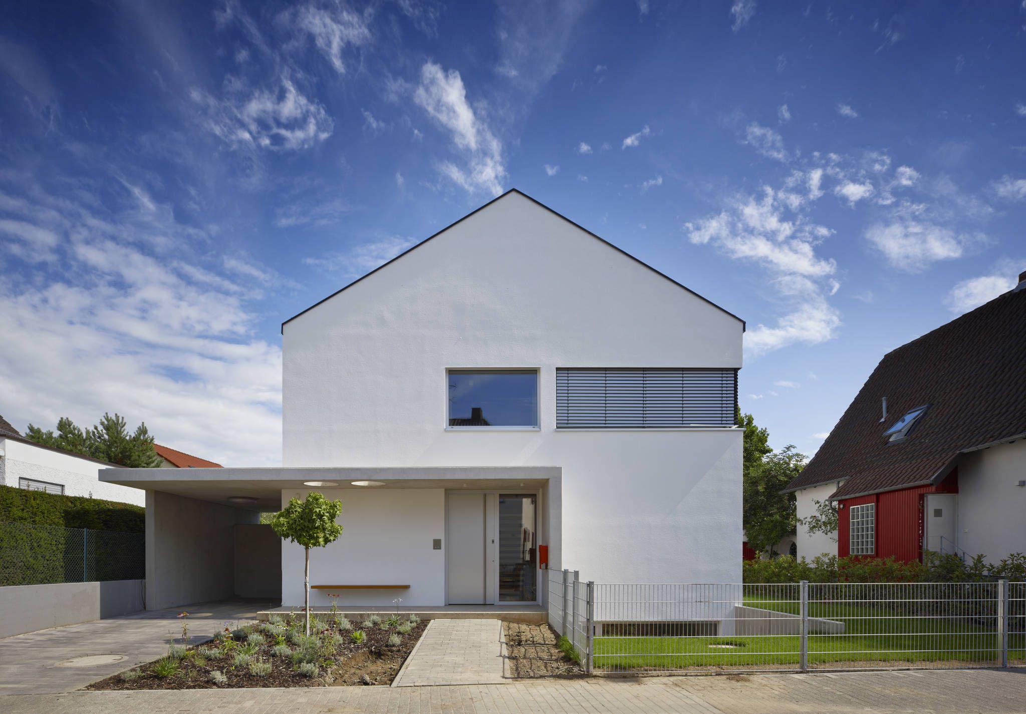 Modernes bungalow innenarchitektur wohnzimmer straßenansicht  moderne häuser von marcus hofbauer architekt