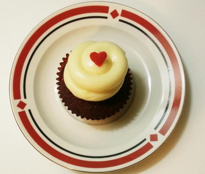 Twelve Cupcakes Ion Orchard Pickatsg
