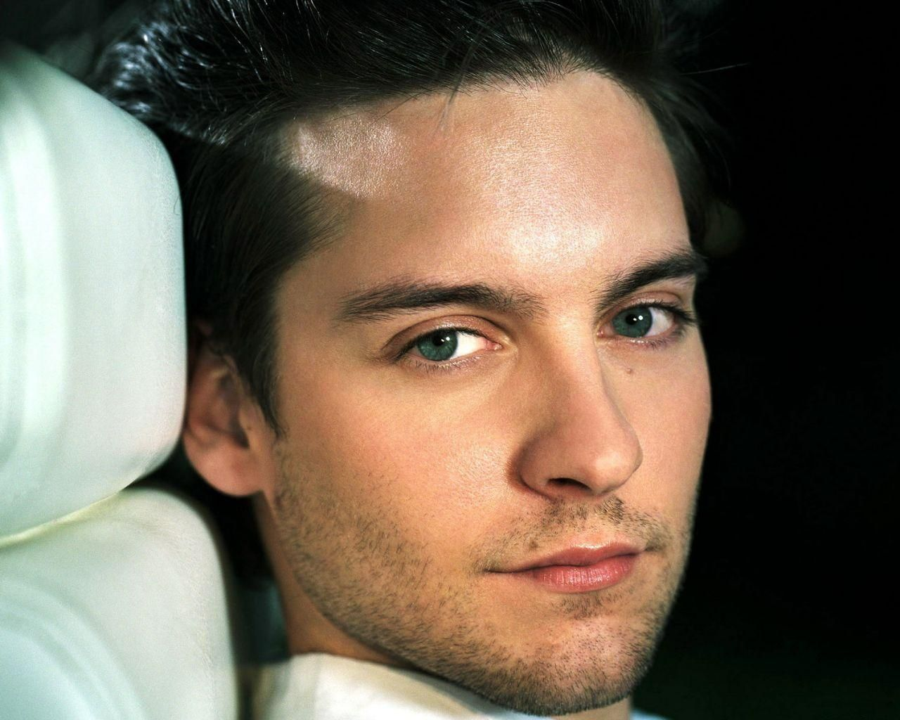 Tobey Maguire Eyes Are Yeah Actors Most Handsome Actors Handsome Actors