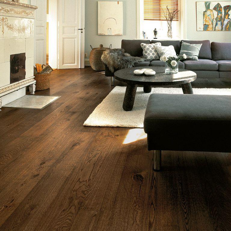 dunkler boden und dunkle m bel helle klassischen kamin und die w nde traumhaus pinterest. Black Bedroom Furniture Sets. Home Design Ideas