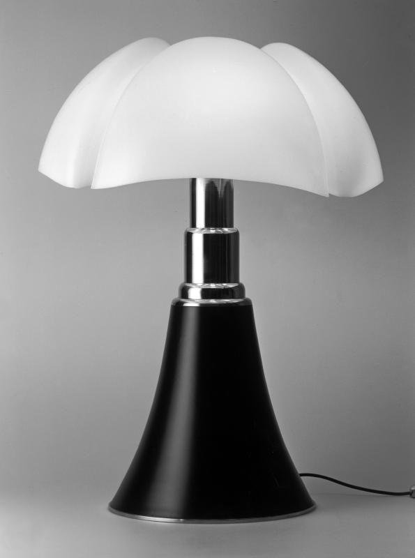 1965 Gae Aulenti Lampada Pipistrello Per Olivetti Lampade Da Tavolo Lampade Oggetti