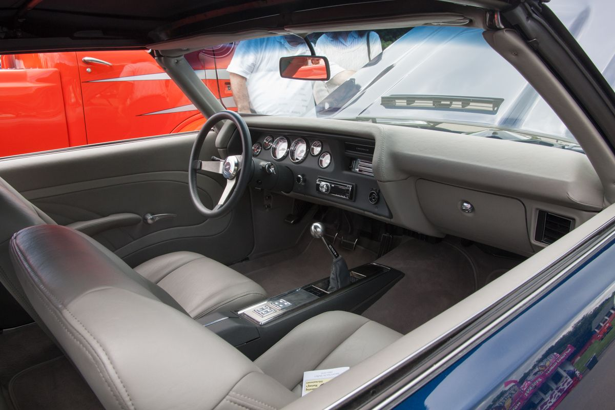 1970 Chevelle Pro-touring Grey Custom Interior