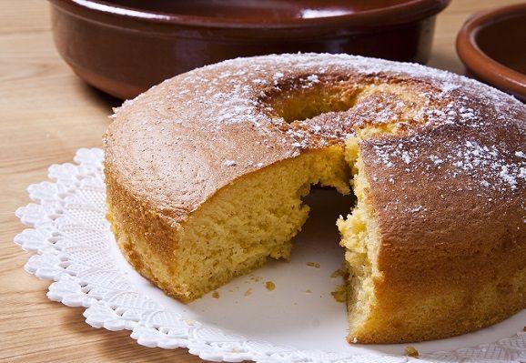 كيكة قرص عقيلي من الحلويات الكويتية اللذيذة جدا و الخفيفة Basic Sponge Cake Recipe Sponge Cake Recipes Cake Recipes