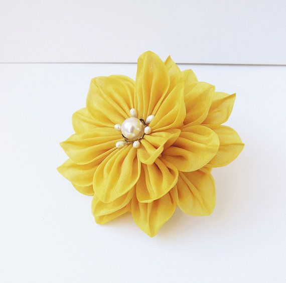 Hey, I found this really awesome Etsy listing at https://www.etsy.com/listing/173420239/yellow-dahlia-tsumami-kanzashi-silk
