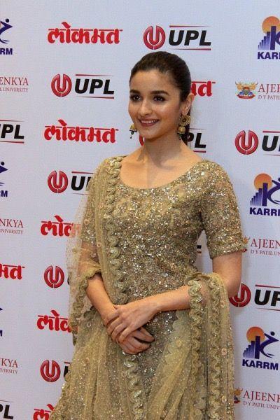 Alia Bhatt At The 4th Lokmat Maharashtrian Awards 2017 Red Carpet