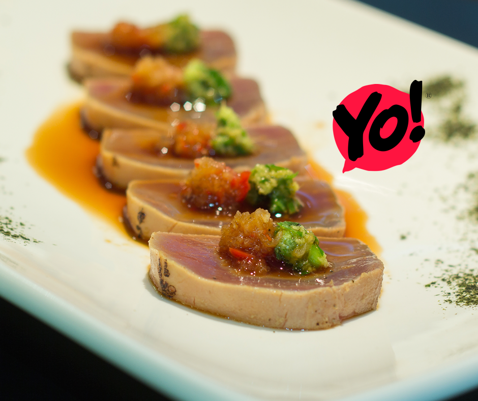 TUNA TATAKI- Atum selado com molho Ponzu, Nabo com Pimenta e Gengibre com Cebolinha. TokYo! Restaurante Café Londrina. #soutokyo #restaurante #japones #londrina #rodizio #japanese #food #chef #adriano #kanashiro #cooking