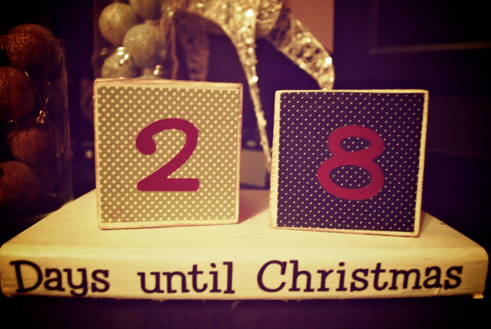 The countdown has begun.... Days till christmas, Days