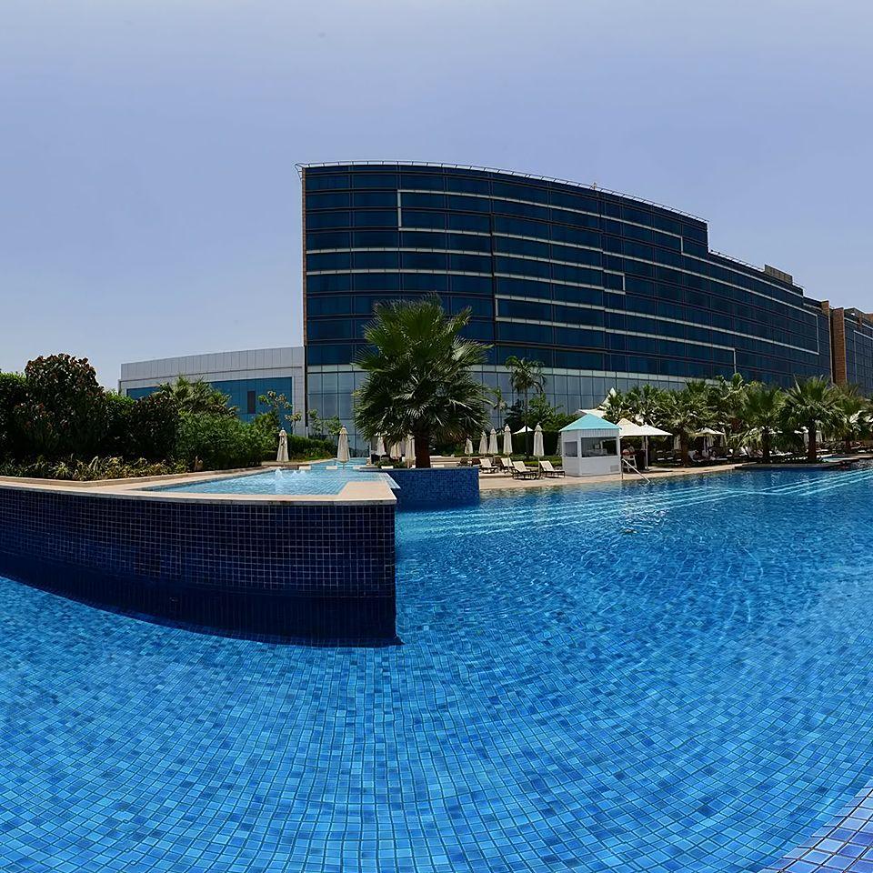 Fairmont Hotel Abu Dhabi Know More On Http Go2emirates Ae Uae Restaurant Lodges Lodge Motel Rooms Roo Fairmont Hotel Travel Hotels Hotel