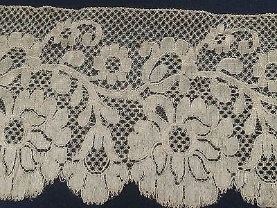 3.5 Yds Beautiful ANTIQUE Champagne CHANTILLY LACE.