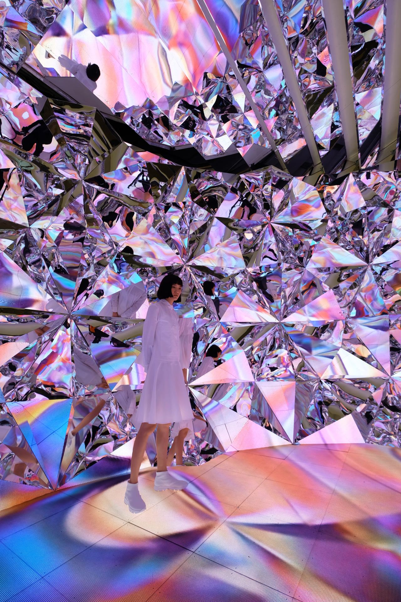 Prismverse: An Installation of Geometrical Tessellated Mirror Walls - Design Milk