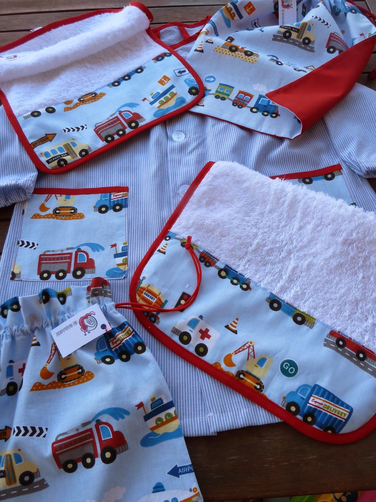 El Caracol Para Hugo Patrones De Baberos De Bebés Costura De Bebé Boutique Del Bebé