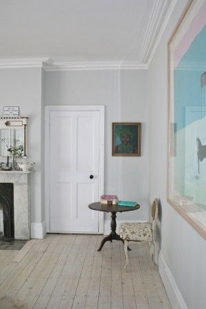 farrow and ball 39 strong white 39 looks great with white woodwork hall and all that pinterest. Black Bedroom Furniture Sets. Home Design Ideas