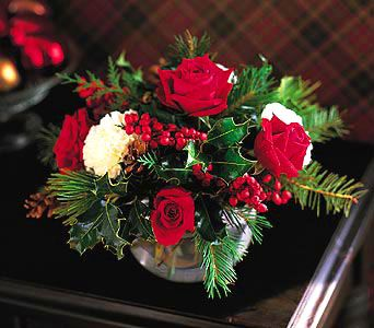 Christmas Flowers And Plants Main Page Xmas Flowers Xmas Hampers Xmas Plants Xm Christmas Centerpieces Christmas Floral Arrangements Xmas Flowers
