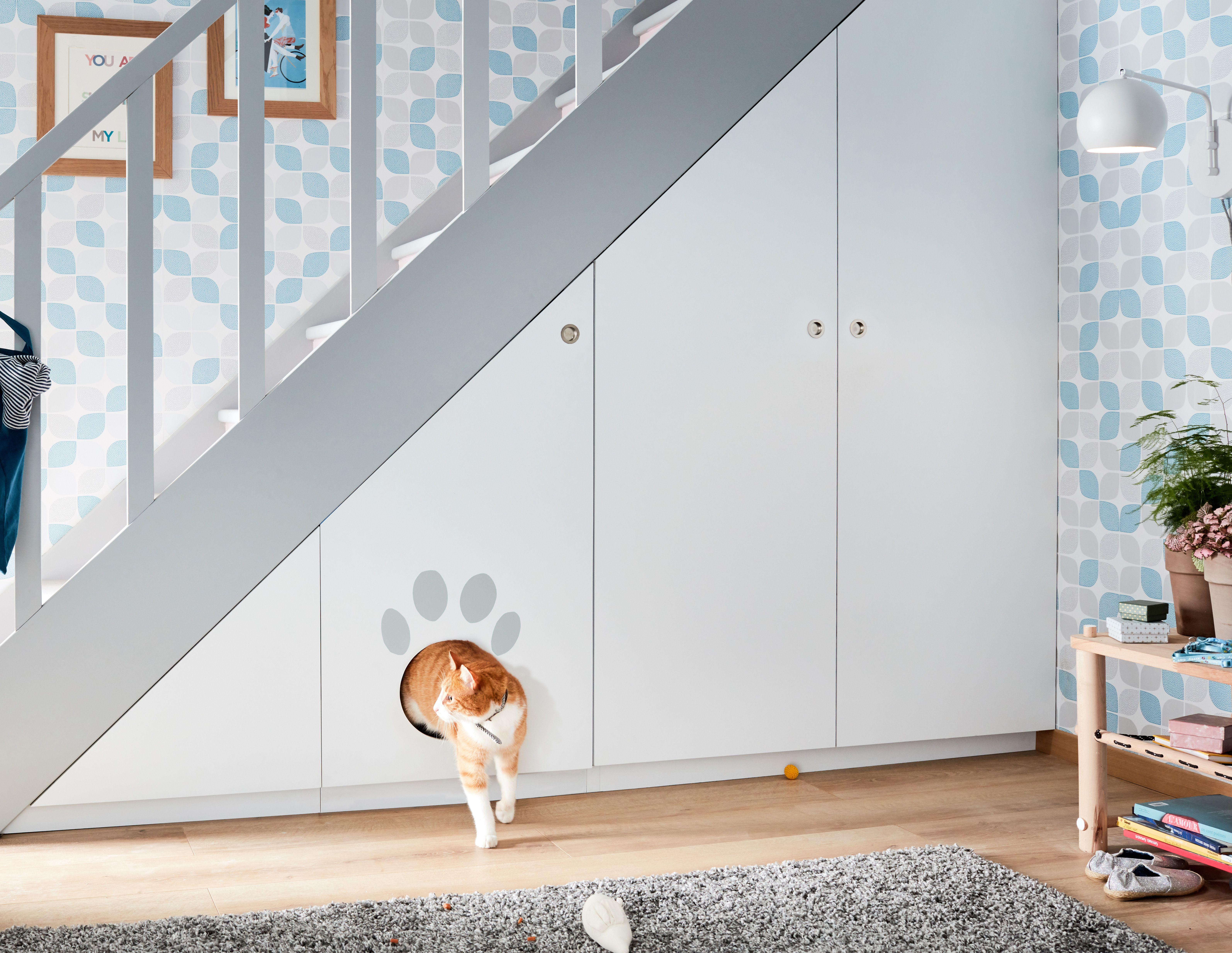Un Litiere Qui A Du Chien Pour Le Chat Meuble Sous Escalier Sous Escalier Rangement Sous Escalier