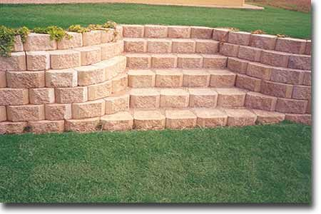 Retaining Wall Stairs With Blocks As Steps Backyard Retaining Walls Landscaping Retaining Walls Backyard