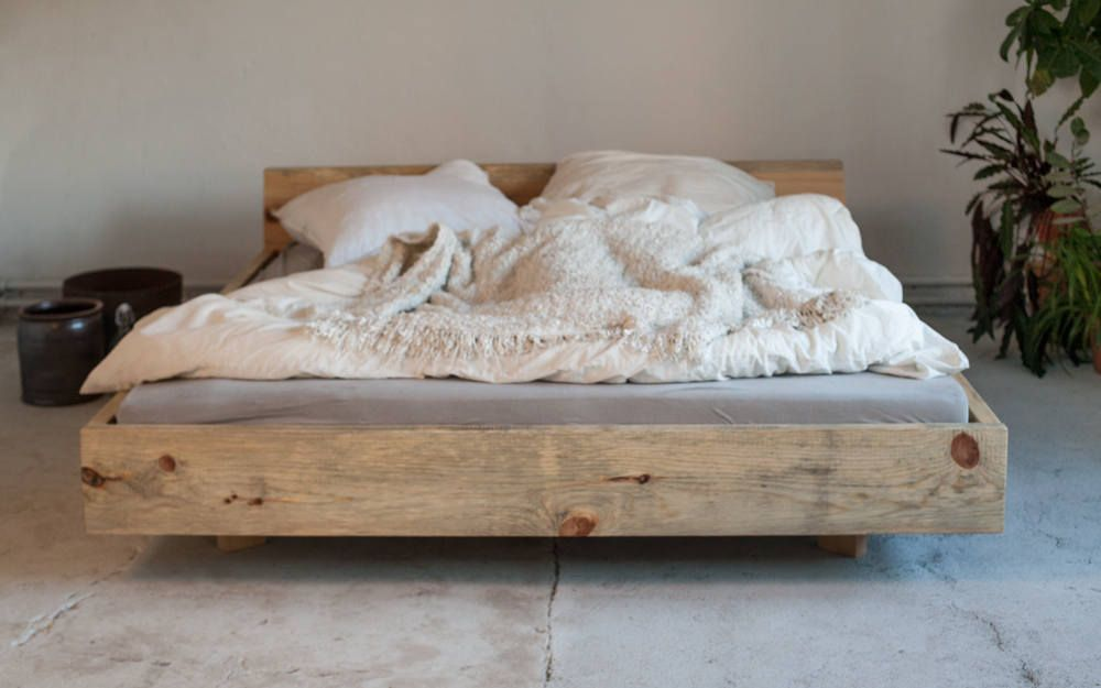 Woodboom | Bed suspended from Pine | Marco de la cama, Cama flotante ...