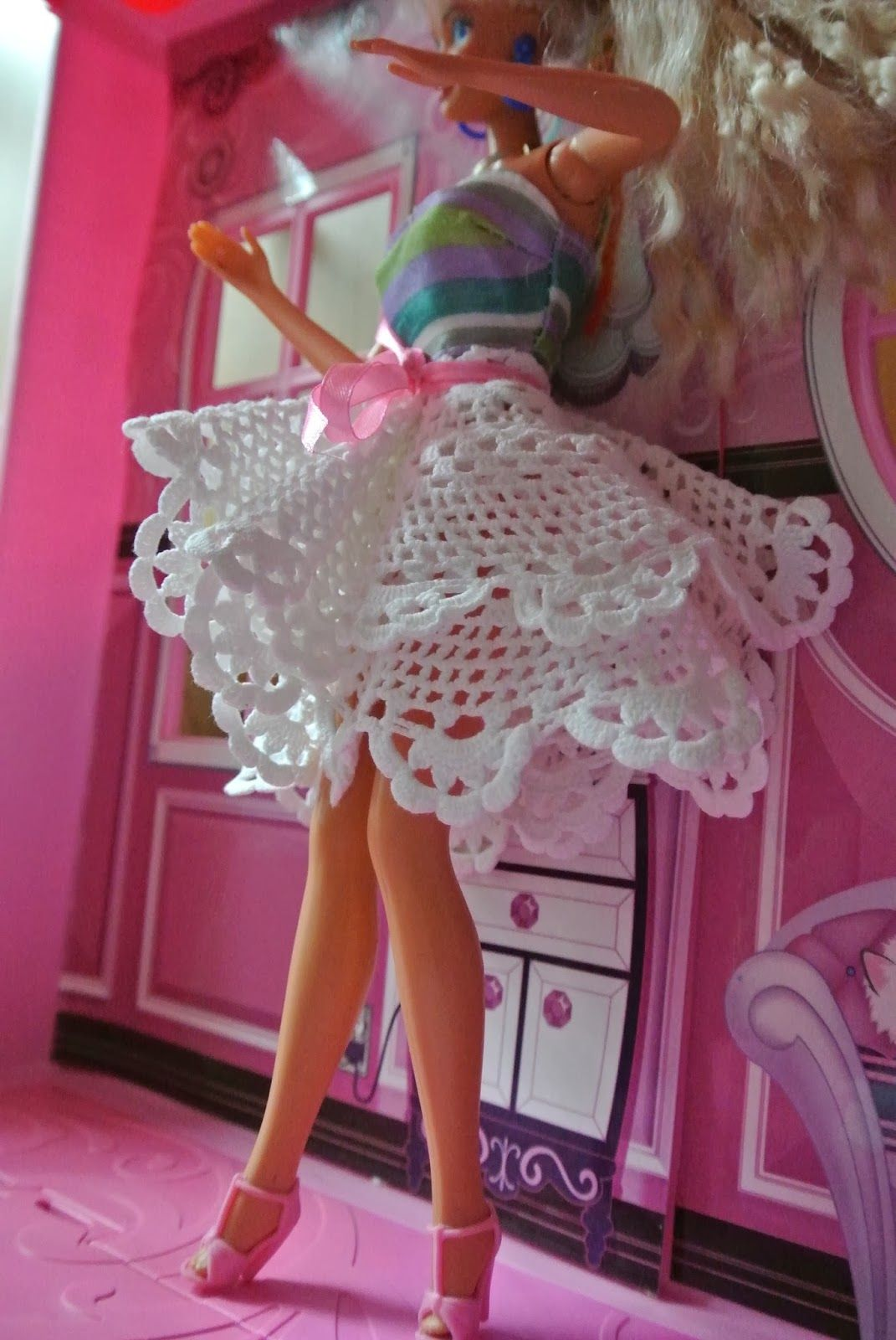 Puppenrock aus Spitzendeckchen / Dolls\' skirt made of doily ...