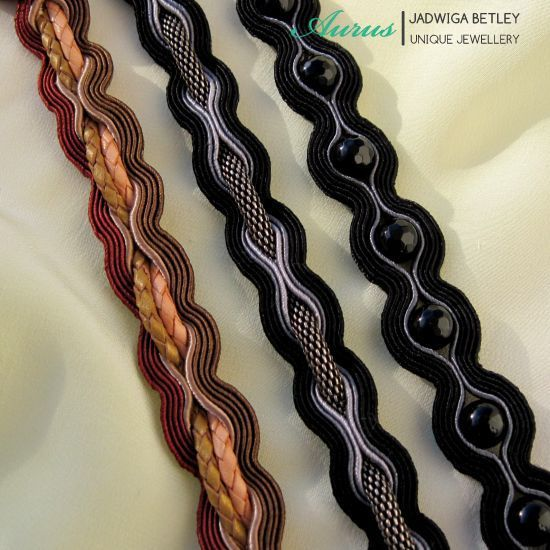 Interesting soutache work by Jadwiga Betley - Visit her blog for more beautiful jewelry