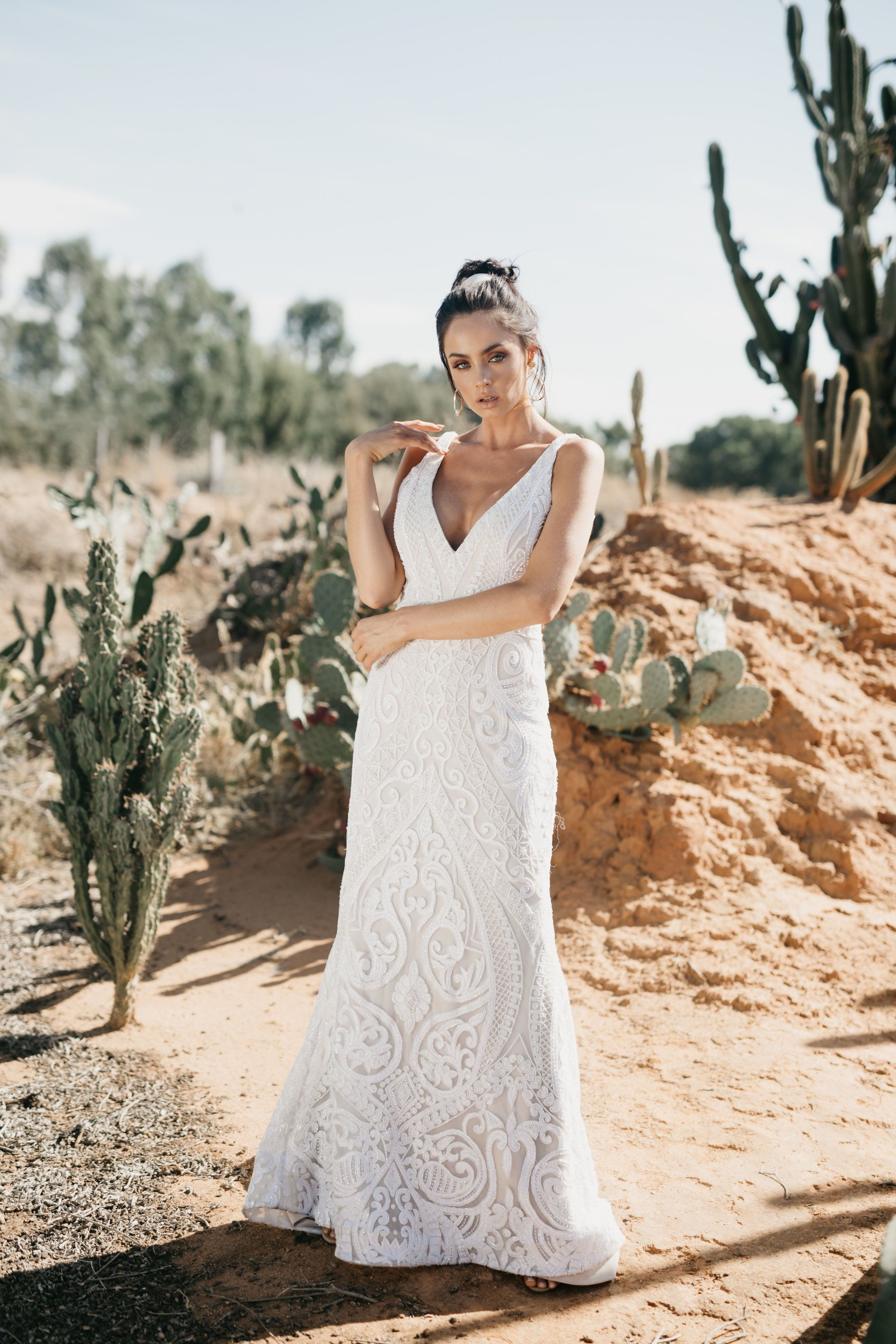 Halle By Jane Hill Modern Romantic Wedding Dresses For The Modern Bride Who Loves A Touch Of Indie Wedding Dress Fitted Wedding Dress Wedding Dress Styles