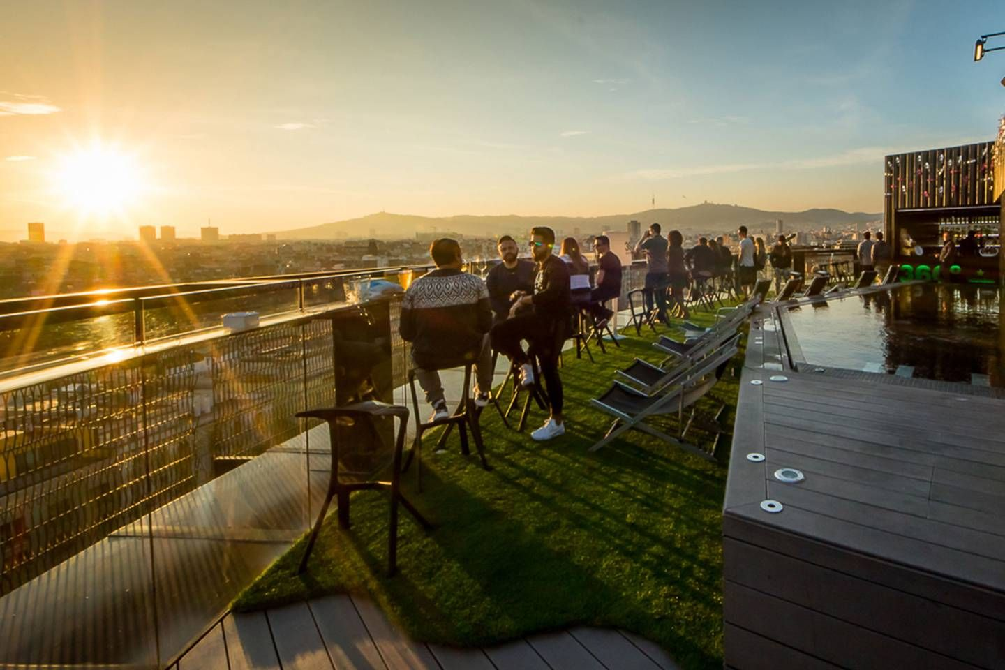 The Best Rooftop Bars In Barcelona Best Rooftop Bars