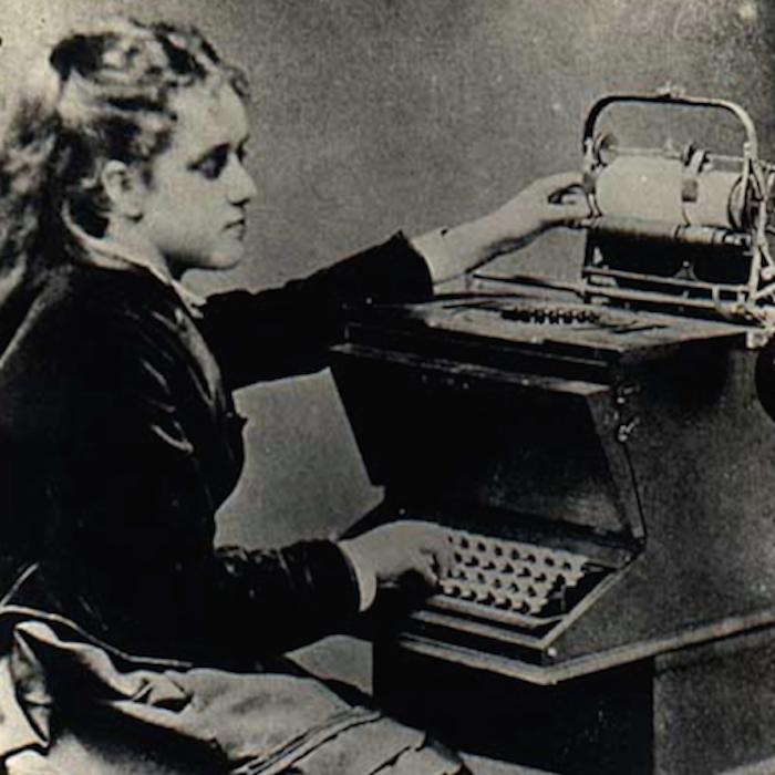 Secretarias Famosas: Lilian Sholes   Maquina de escribir, Escribir, Roberto bolaño
