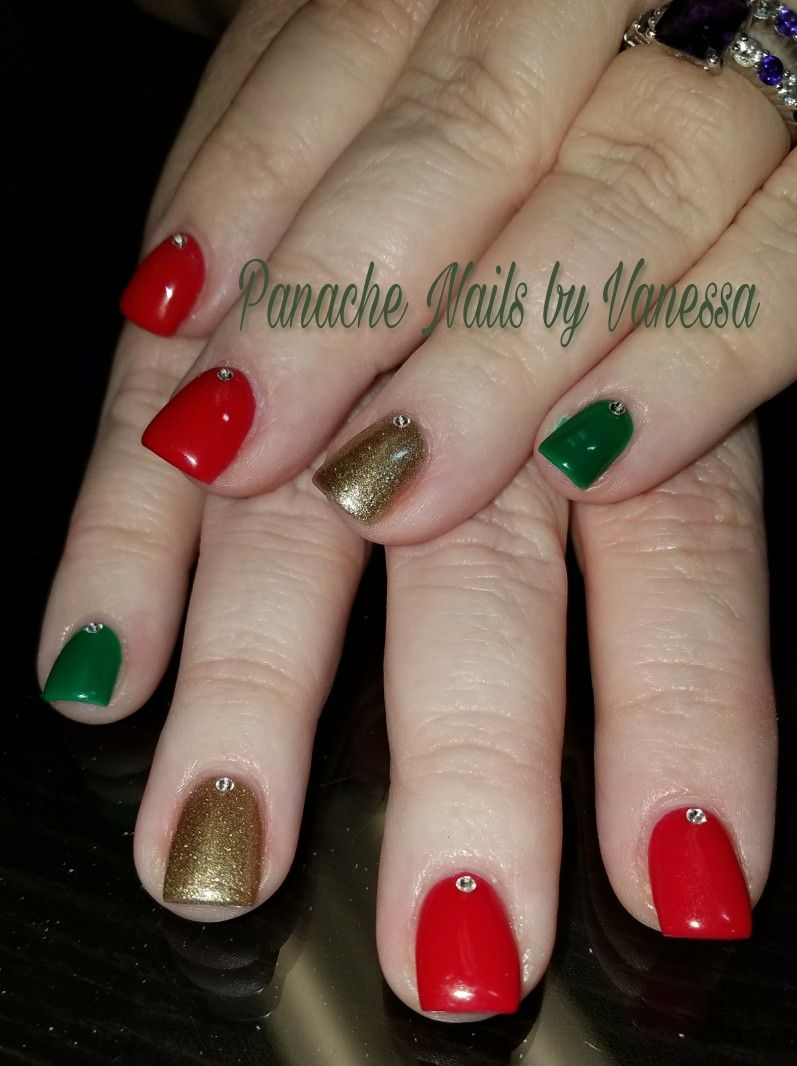 Simple Christmas Nails. Red, Green, and Gold solid short