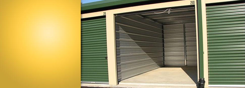 I Want To Rent Out A Storage Unit That Is As Big As This One I Have A Lot Of Old Things Laying Around In My Close Self Storage Self Storage