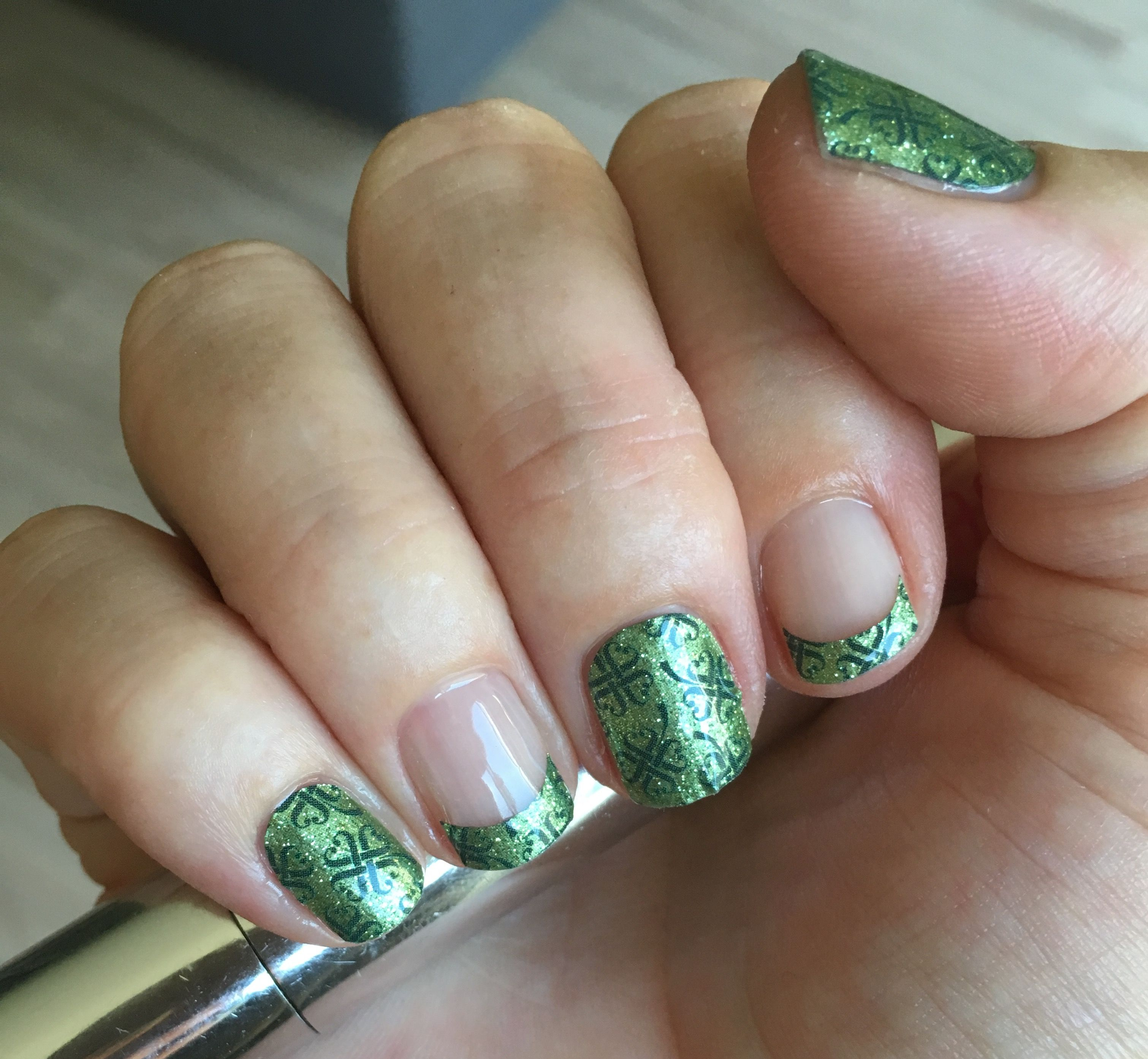luckyyoujn with TruShine top coat to create fancy French tips - so ...