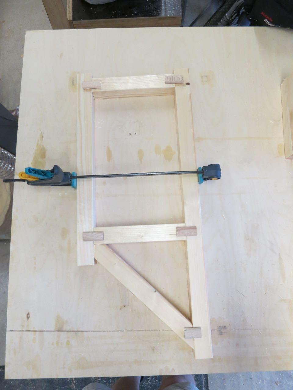 Skandinavisches Bucherregal Selbstgebaut Holz Und Leim Regal