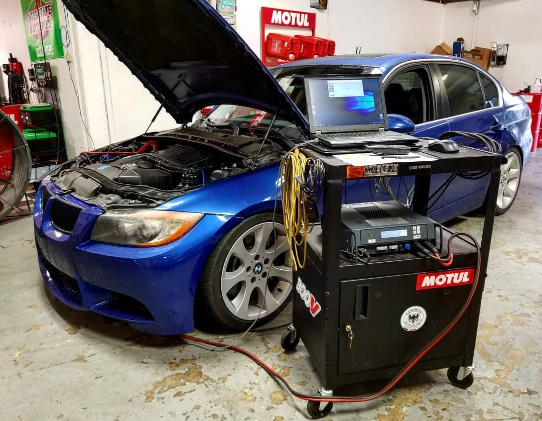 More Dinan goodness taking place! 2011 BMW E90 335i in for a