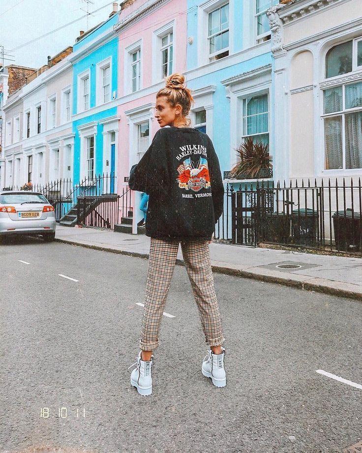 """Olivia Frost auf Instagram: """"Mein glücklicher Ort, noch Sommer in London … …"""