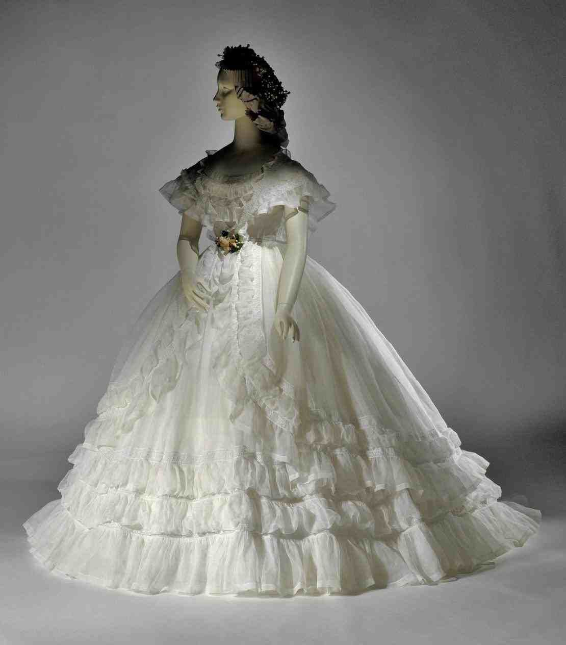Suggested Sites Hint Wedbridal Site Clean Commerce Immediately This Instant Used Online Online Store Very Cheap Quality Online Sales White Wedding Dresses Wedding Dresses Dresses [ 1264 x 1110 Pixel ]
