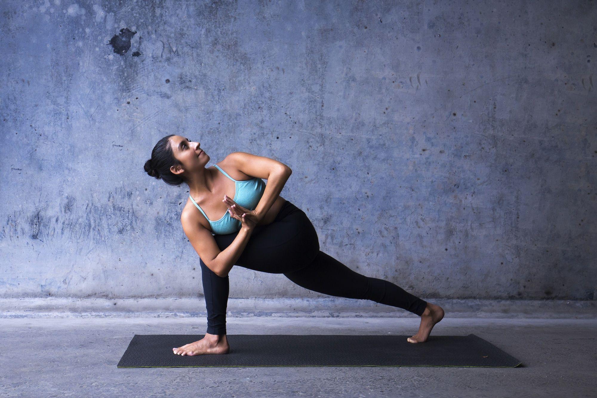 Im Flow mit Vinyasa Yoga - Yoga