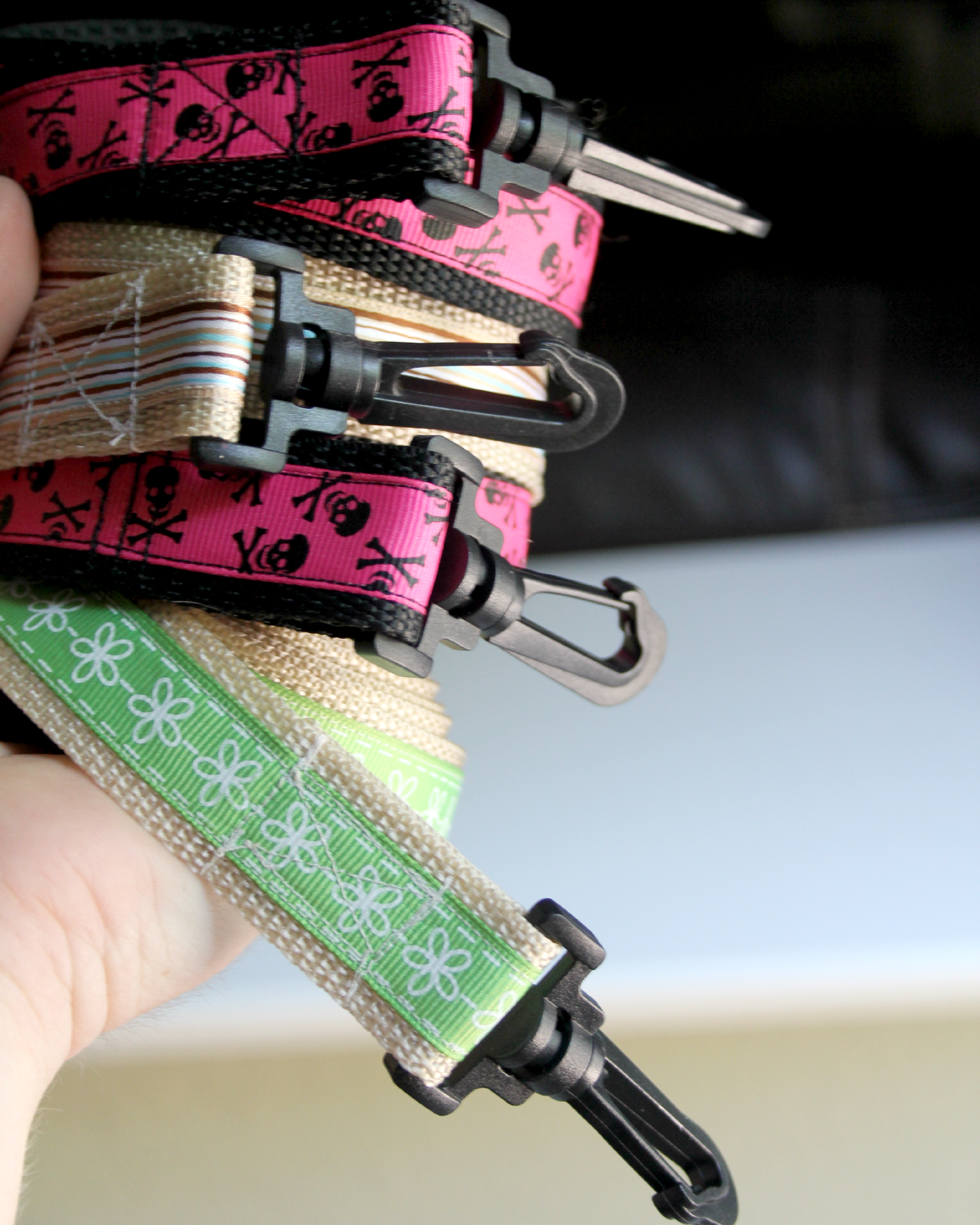 Crafts For Dog Lovers: Dog Leash Sewing Tutorial..if I Every Learned How To Sew
