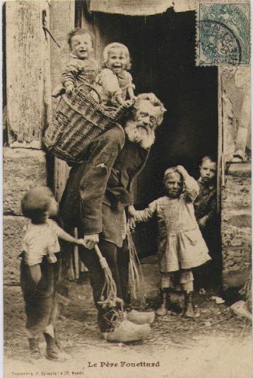 Le Père Fouettard Ein Leben in Bescheidenheit #vintagephotos Le Père Fouettard Ein Leben in Bescheidenheit