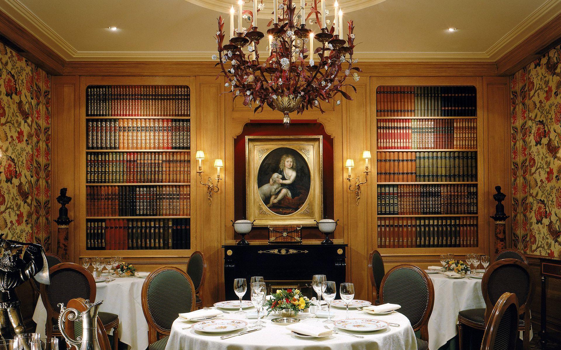 http://luxe.planet.fr/wp-content/uploads/2012/08/Restaurant-Hotel-San-Regis-Paris.jpg