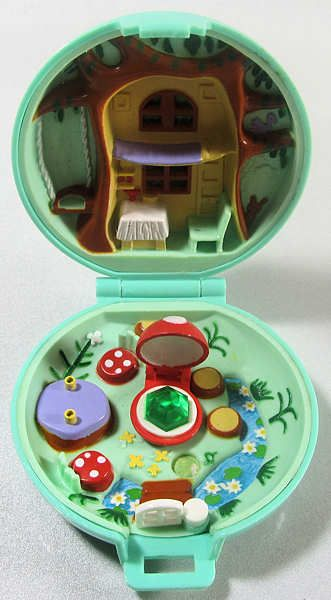 Polly Pocket Jeweled Forest I Had This And It Was One Of My All Time Favorites Polly Pocket Polly Pocket World Retro Toys