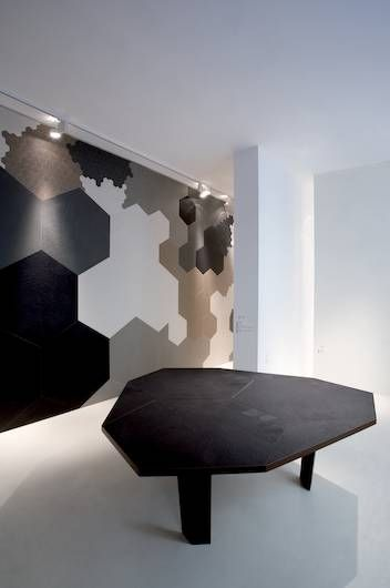 Mutina ceramiche design the bugs family patricia - Pavimentos ceramicos interiores ...