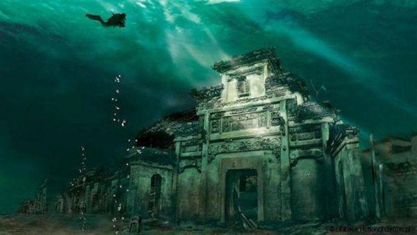 مدينة هرقليون المصرية القديمة، بجانب كونها مركزًا دينيًا بارزًا، نقطة تجارية رئيسية على البحر المتوسط في القرن الس…   Abandoned places, Underwater city, Sunken city