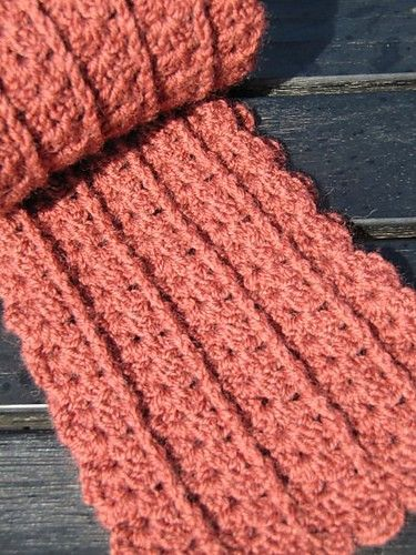 [Free Pattern] This Fabulous Scarf Looks Beautiful In All The Different Yarns #crochetscarves