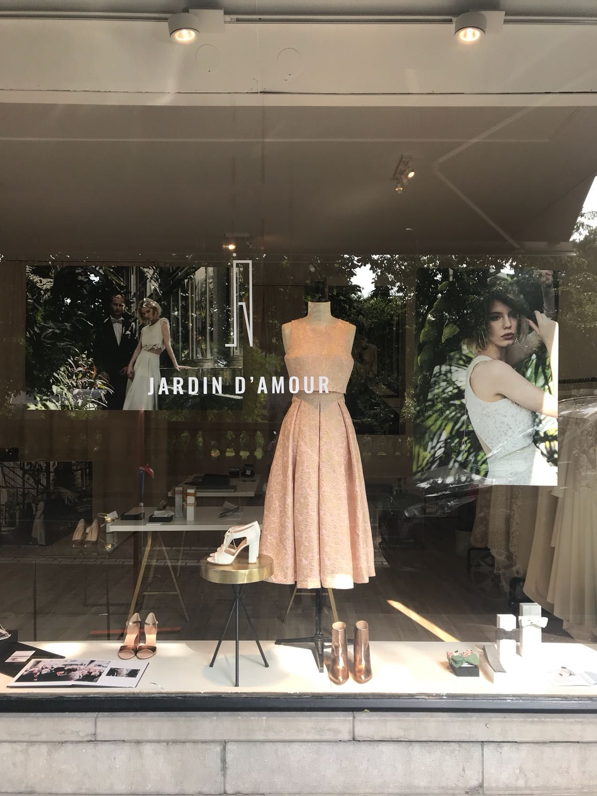 Bridal shop in Antwerp Jardin d'amour shoes Moments by