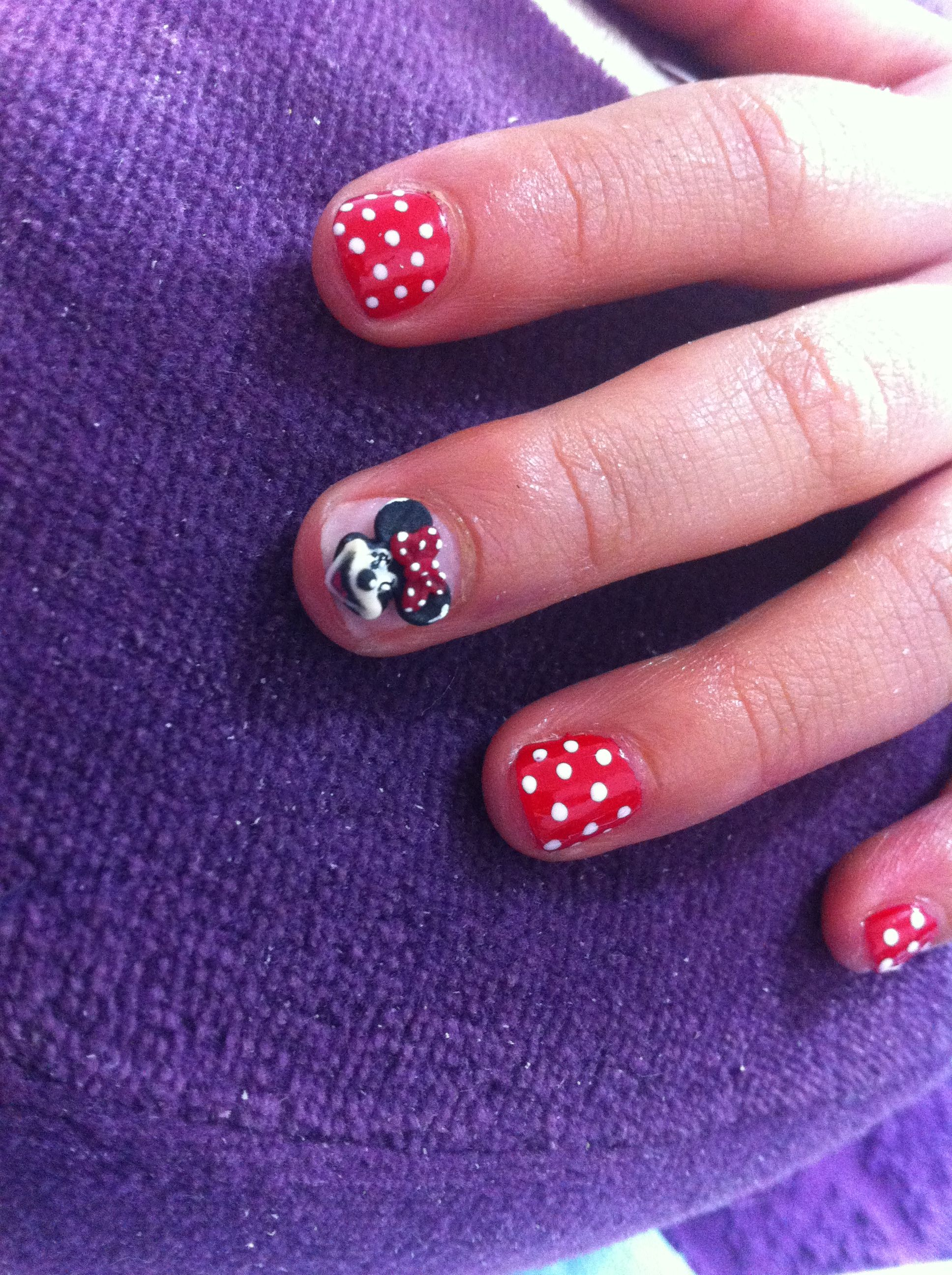 Minnie mouse 3d nail art on little girls finger nails she loved minnie mouse 3d nail art on little girls finger nails she loved them prinsesfo Choice Image