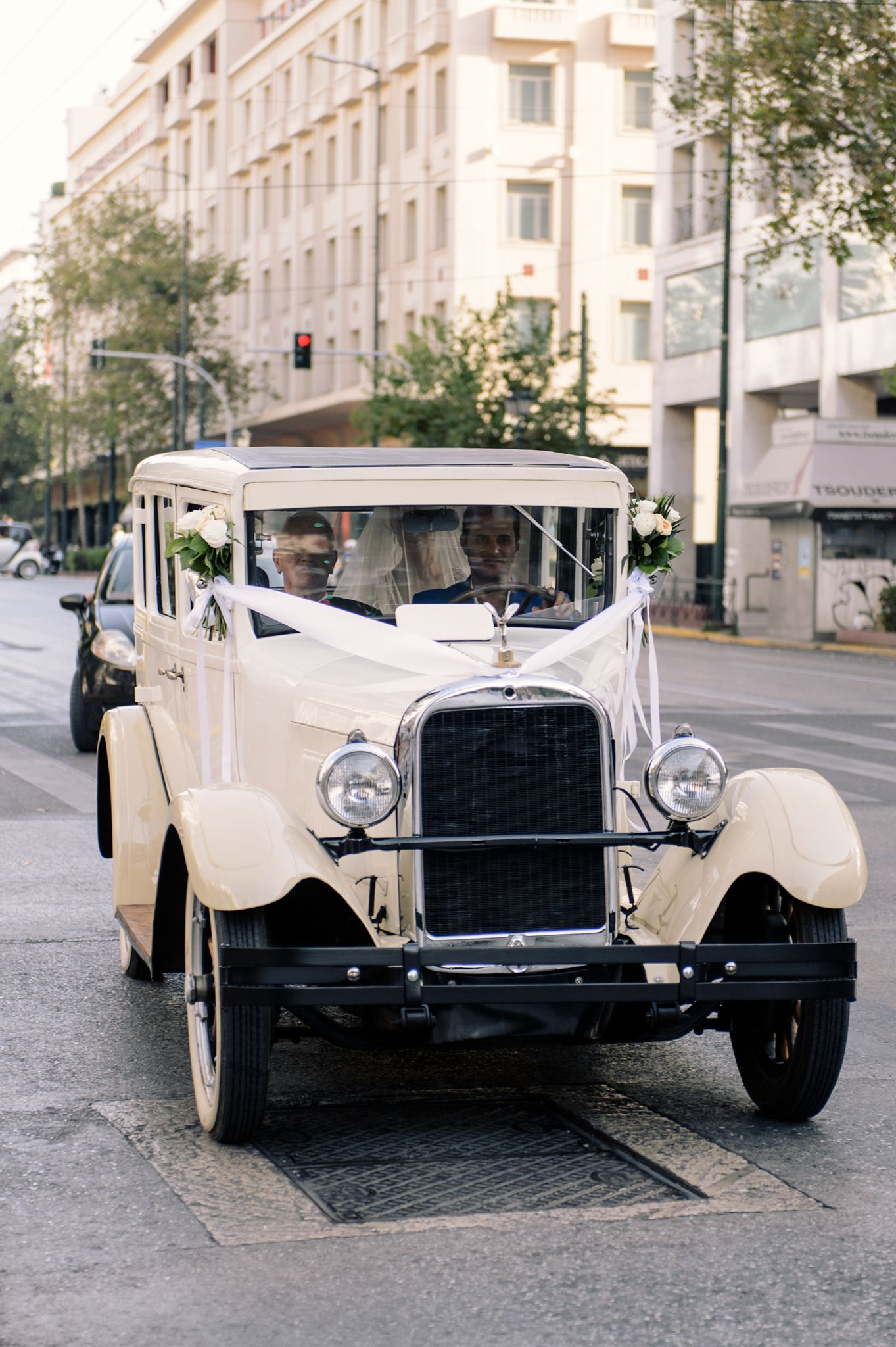 Classic Romance Wedding With All The Trimmings In Greece Classic Romance Wedding Wedding Car Vintage Car Wedding