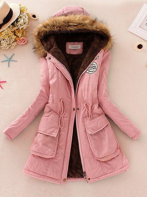 Olcsó kabát rendelés online. A military szőrmés női kabát most csak 9.990  Ft-ért rendelhető az Axadion női divat ruha webshopban 888f7e0436
