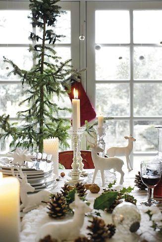 Crisp Christmas table - spray painted white deer