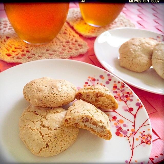 カリカリ美味しい〜☆*:.。. o(≧▽≦)o .。.:*☆びっけちゃんのスナップに一目惚れまたまたレシピをお願いしちゃいました\(//∇//)\  アーモンドスライスが高くってアーモンド砕いて入れちゃった(^◇^;) 食べたい♡気持ちが強すぎて最後に卵を塗って粉砂糖をまぶすの忘れちゃった〜ヽ(´o`;ごめんね〜(^_^;)  びっけちゃん☆いつもすてきなレシピ、ありがと〜(((o(*゚▽゚*)o))) - 194件のもぐもぐ - びっけさんの料理 クロッカン•オ•ザマンド♫ストレートの和紅茶と♪ by suzuranranran