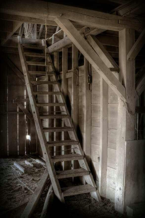 Ladder To Hayloft Old Barns Barn Loft Barn