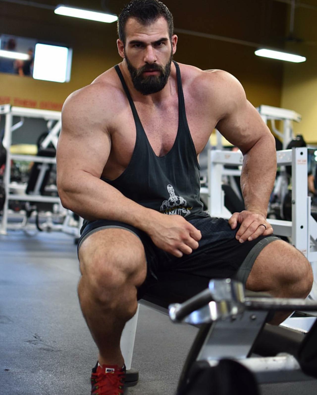 Muscular men, Muscle, Muscle men