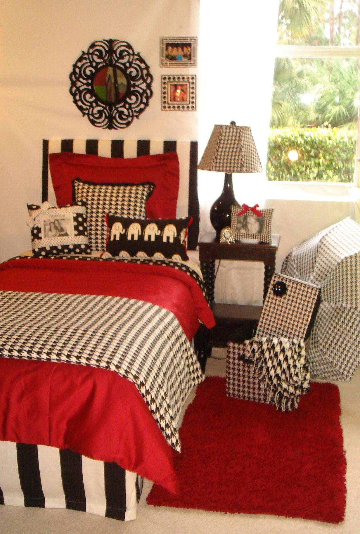 University Of Alabama UA Girl Custom College Dorm Room Bedding And Décor Set  University Of Alabama Custom Girl Crimson And Hounds Tooth Dorm Bedding Set  ...